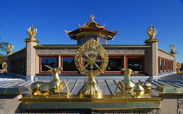 Tempel im Majushri Kadampa Meditationszentrum